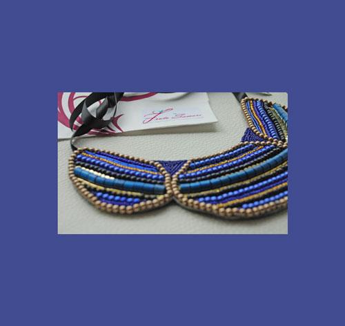 collar babero greta azul